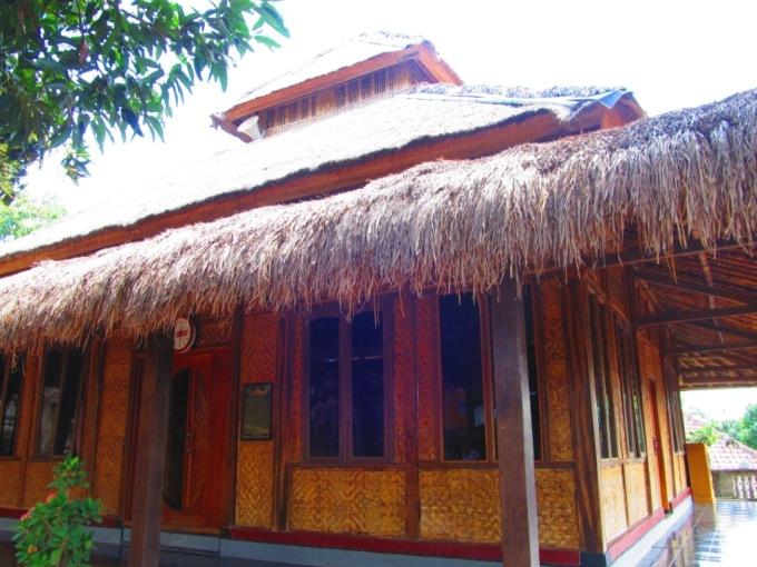 Masjid at Sade : Sasak Village