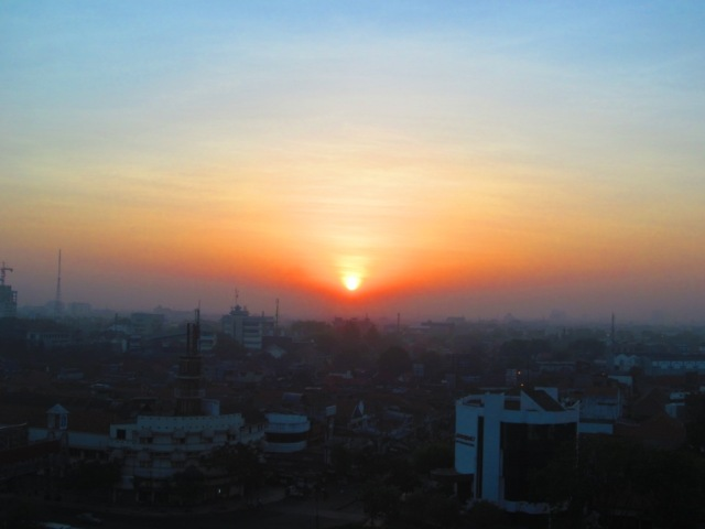 Sunrise at Surabaya-Pandegiling